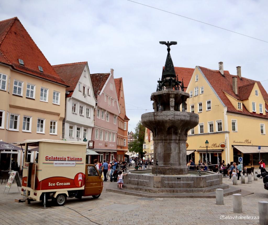 La Marktplaz di Nördlingen