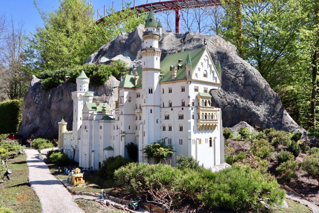 il castello costruito con i mattoncini della lego