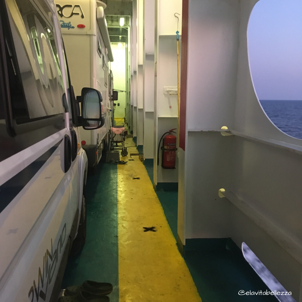 Traversata in nave con camping on board, Grecia e libertà
