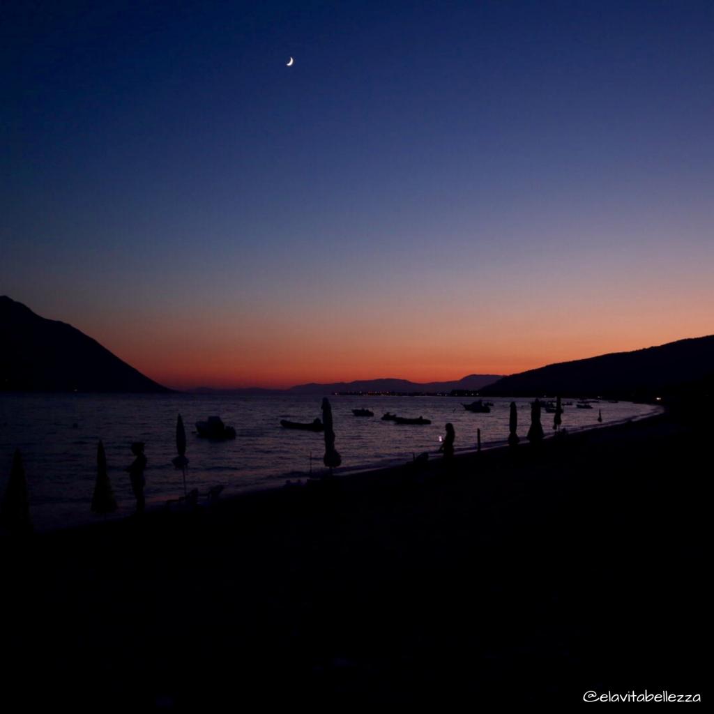Grecia in libertà, tramonto a Myticas