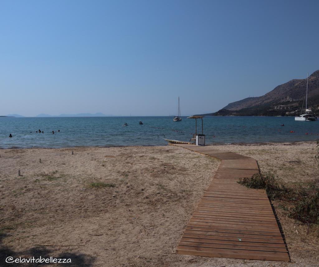 Plataria, la passerella che porta al mare senza barriere