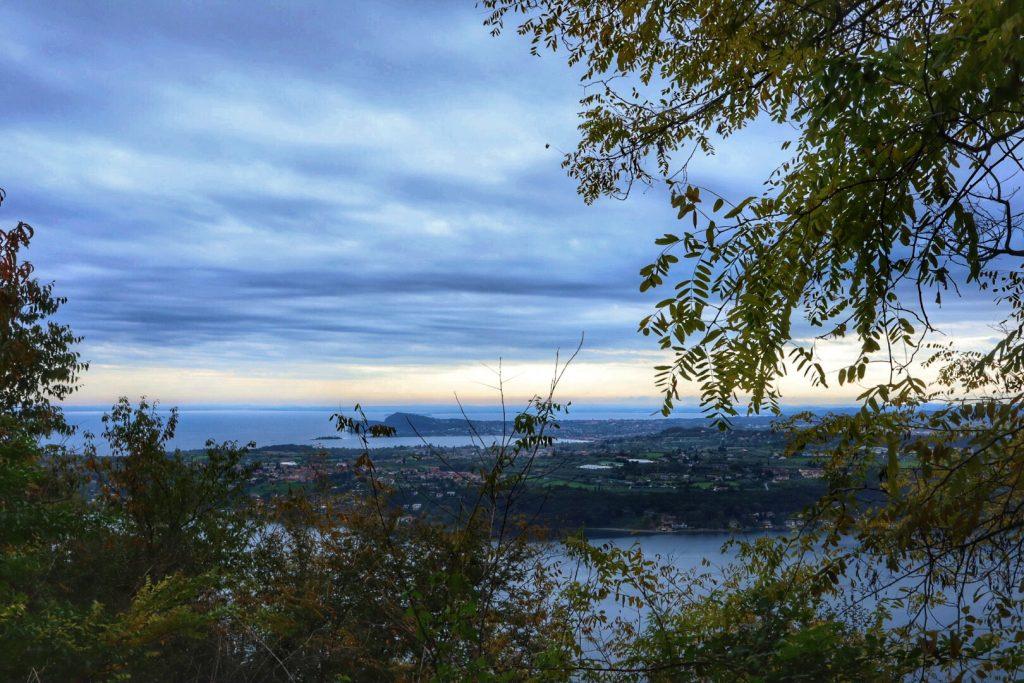 Lago di Garda e Rocca di Manerba, Salò