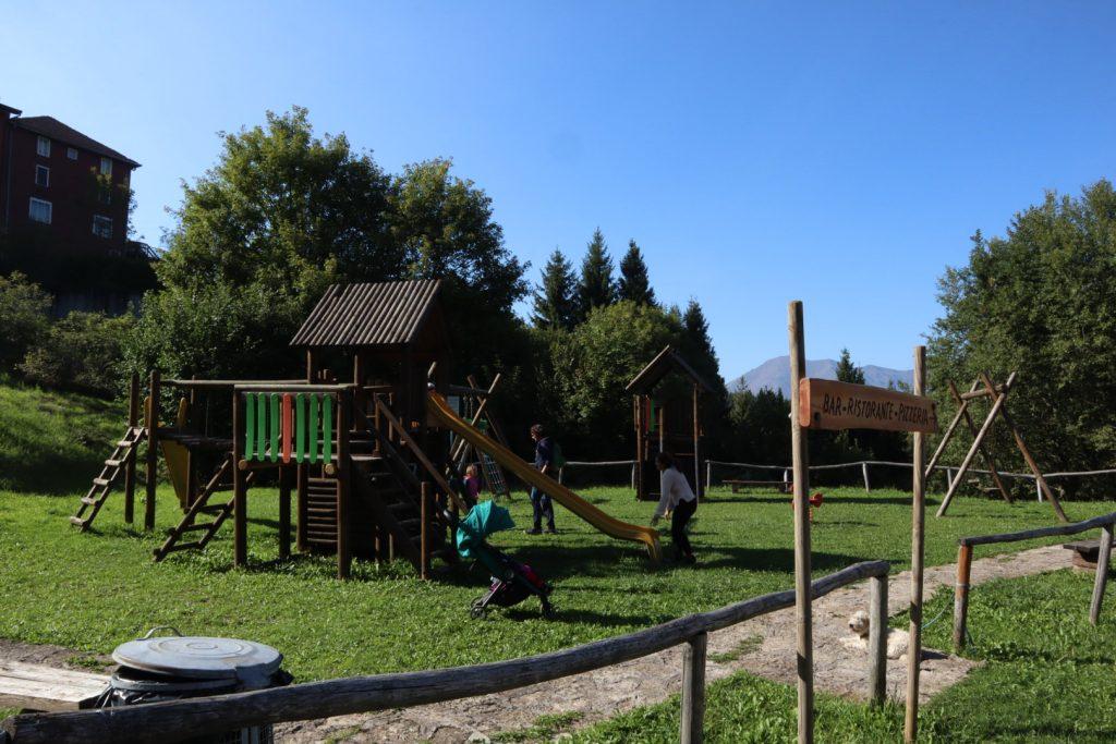 Parco giochi a Vaghezza