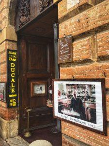 Gubbio bar di Terence Hill, Umbria in camper