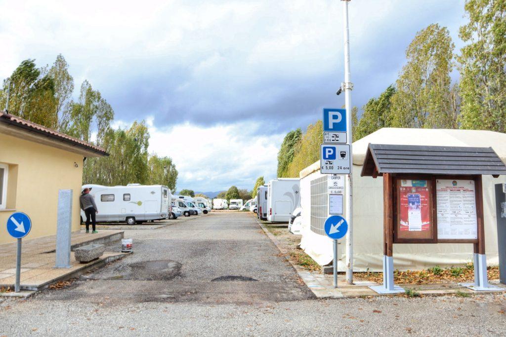 Area sosta Gubbio, Umbria in camper